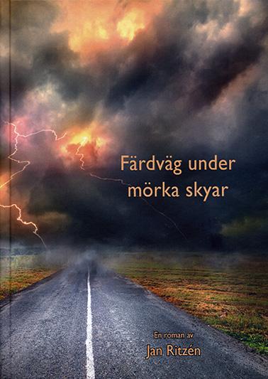 Färdväg under mörka skyar